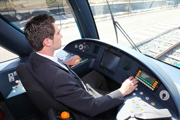 conducteur de train   salaire   u00e9tudes  r u00f4le  comp u00e9tences  u2013 regionsjob